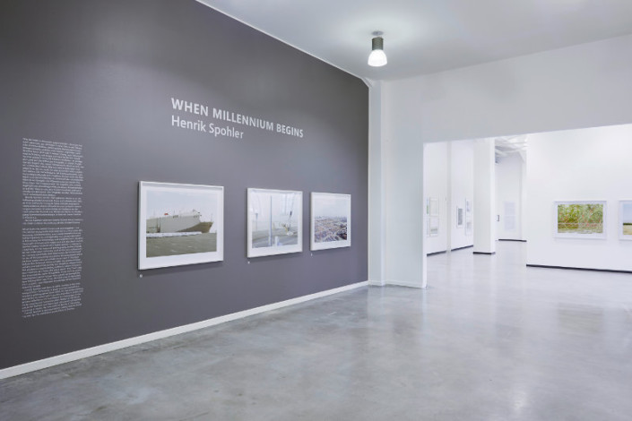 Impressionen der Ausstellung Henrick Spohler When Millienium Begins